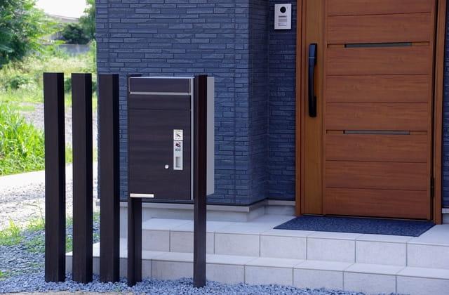 ホームズ】宅配ボックスは忙しいあなたの味方。一戸建てにも設置可能 | 住まいのお役立ち情報