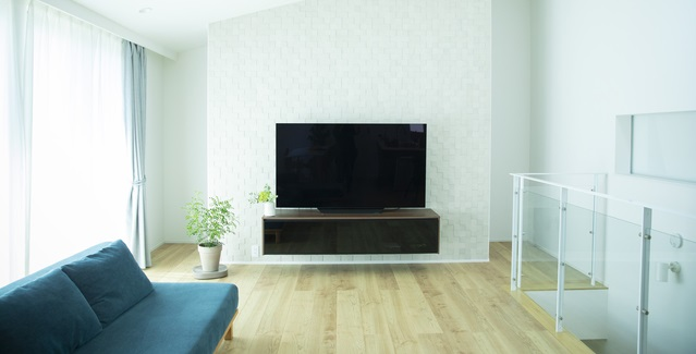一人暮らしの部屋に4Kテレビを設置する際の注意点とテレビサイズの選び方