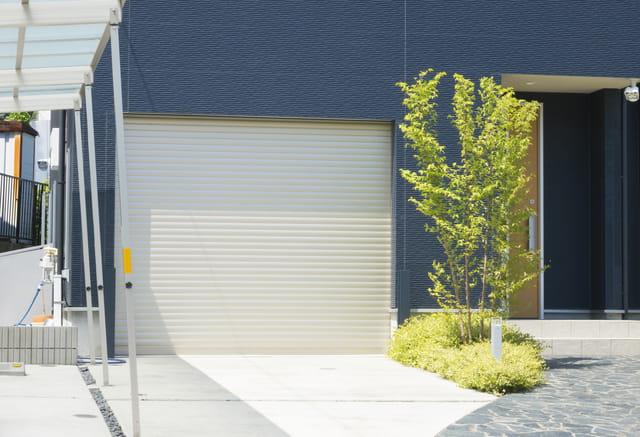 ガレージ付きの賃貸物件ってあるの? 間取りの例や選ぶときの注意ポイントも解説