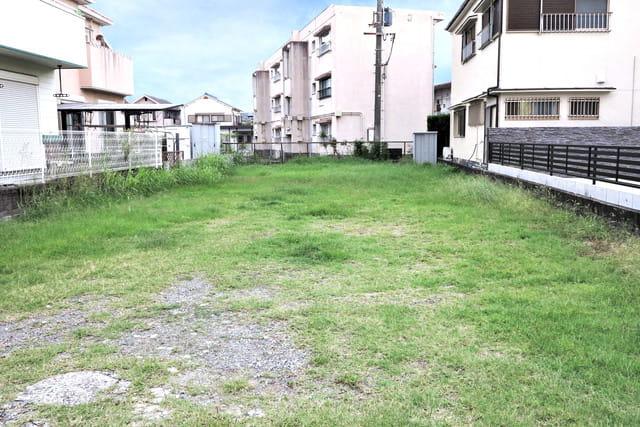 土地の売却価格を決める要因とは? 相場の調べ方と査定依頼のポイント